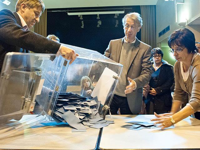 Выборы во Франции: Олланд – первый, Саркози – второй, Ле Пен – третий
