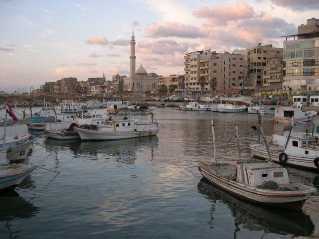 Сирийский порт Тартус (иллюстрация)