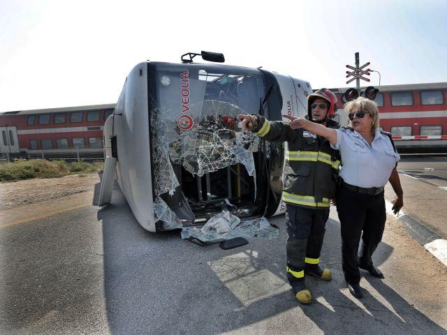 Лишь хорошая реакция машиниста поезда помогла предотвратить существенно большее количество жертв.