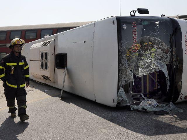 Стоит отметить, что в автобусе в момент инцидента почти не было пассажиров.