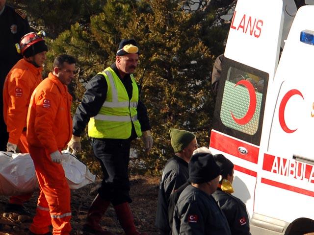 Количество жертв крушения у берегов Турции возросло до 58 человек