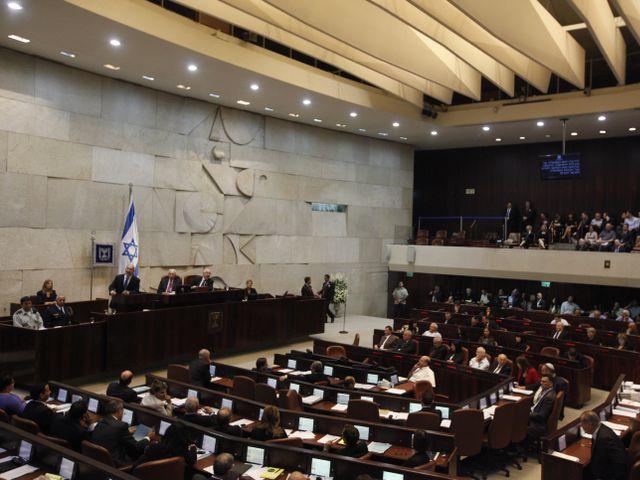 Госконтролер раскритиковал партии за нецелевую трату денег налогоплательщиков