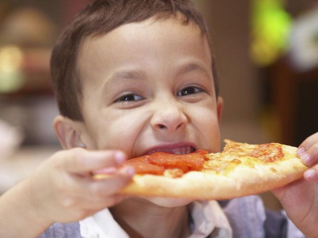 Исследование: любимая еда израильских детей – макароны и пицца