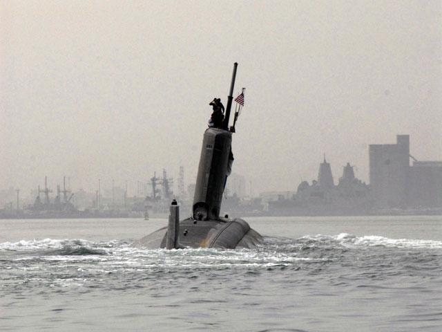 Американская подлодка в Ормузском проливе после аварии (архив)