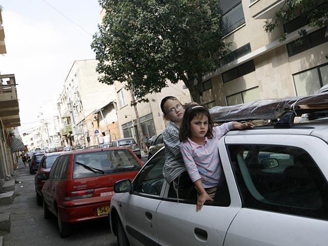 Рамле: прохожие вызывали полицию, обнаружив младенца в запертом автомобиле