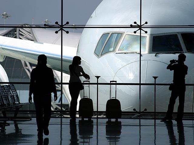 Израильтянин устроил переполох в аэропорту Нью-Арка, заявив, что в его чемодане - бомба