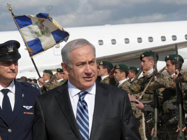 Нетаниягу во время визита на Кипр в феврале 2012 года