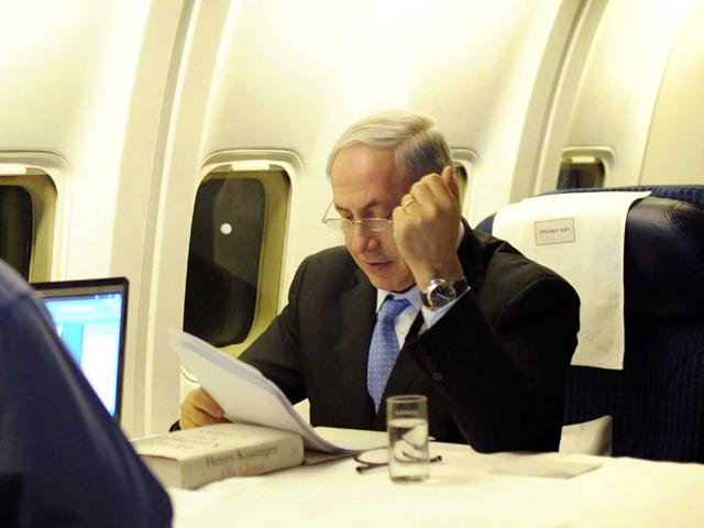 СМИ: в канцелярии главы правительства вновь обсуждают покупку самолета