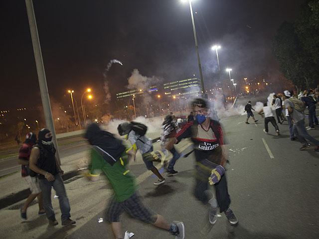 В Бразилии продолжаются массовые протесты