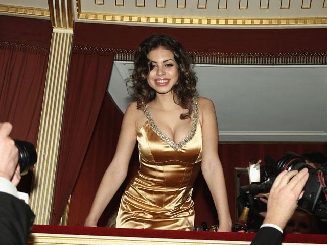 Карима эль-Махруг (СМИ называют ее несовершеннолетней любовницей Берлускони)лжесвидетельстве