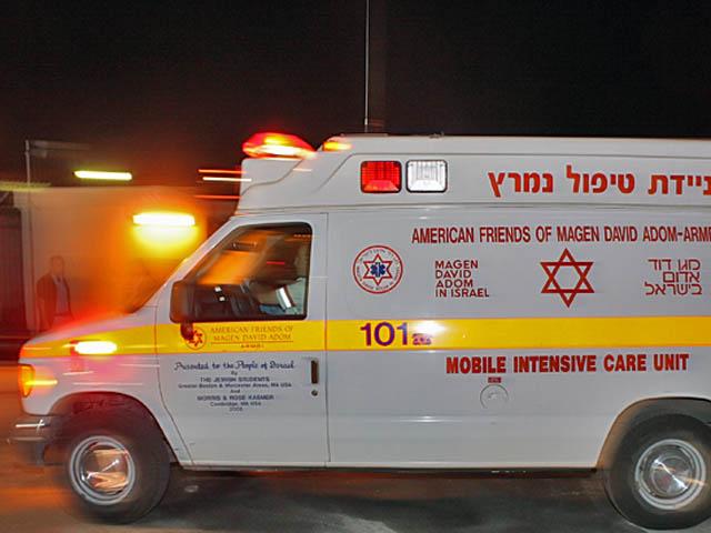 Возле Петах-Тиквы 33-летний мужчина получил огнестрельное ранение
