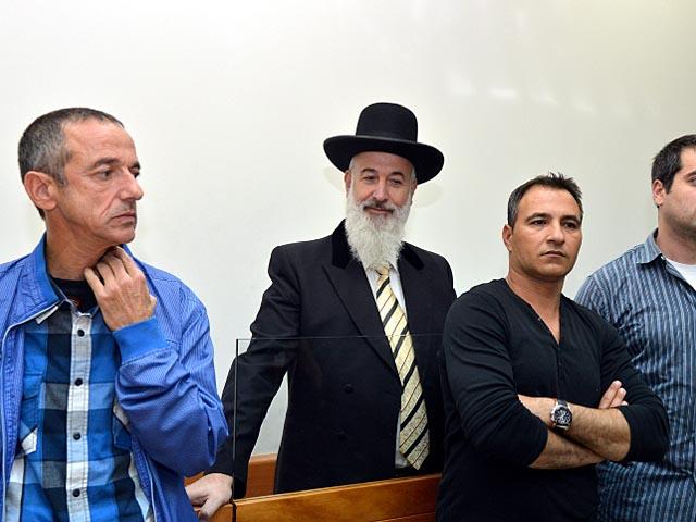 Раввин Йона Мецгер в здании суда. 18 ноября 2013 года