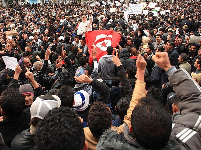 Катар выделил 500 млн. долларов на стабилизацию экономики Туниса