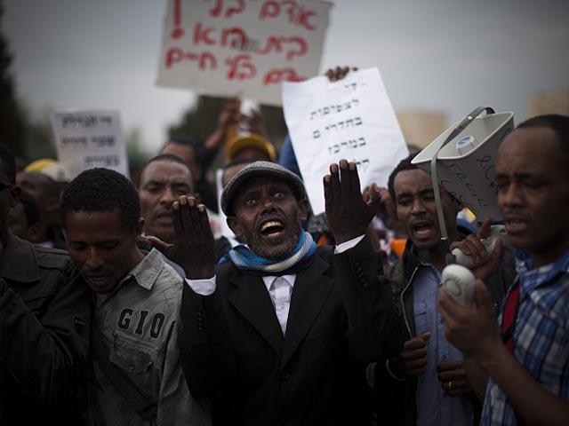 Демонстрация протеста возле Кнессета. 3 декабря 2013 года