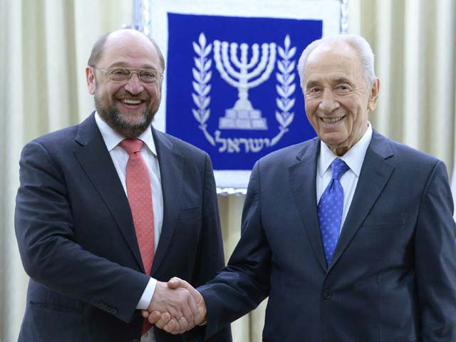 Мартин Шульц и Шимон Перес. 12 февраля 2014 года