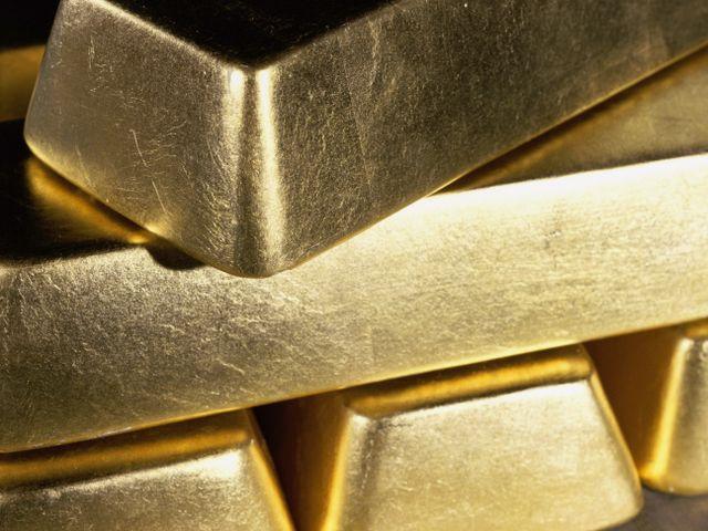 Врачи извлекли из индийского бизнесмена 12 золотых слитков
