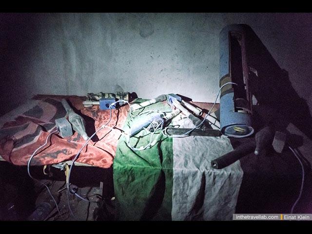 Находки. Как правило, сотни килограмм таких сокровищ обнаруживает израильская армия в палестинских подпольных мастерских