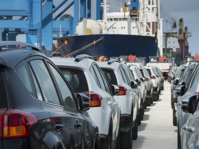"""Из-за операции """"Нерушимая скала"""" в Израиле упали продажи новых автомобилей"""