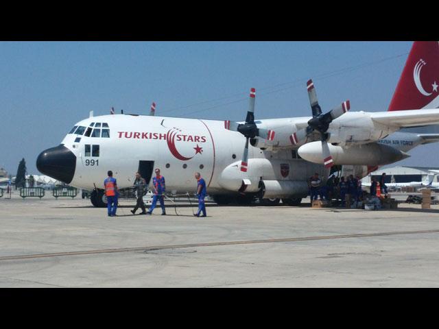 Самолет ВВС Турции в аэропорту Бен-Гурион, перевозивший раненых в Анкару 14 августа 2014 года