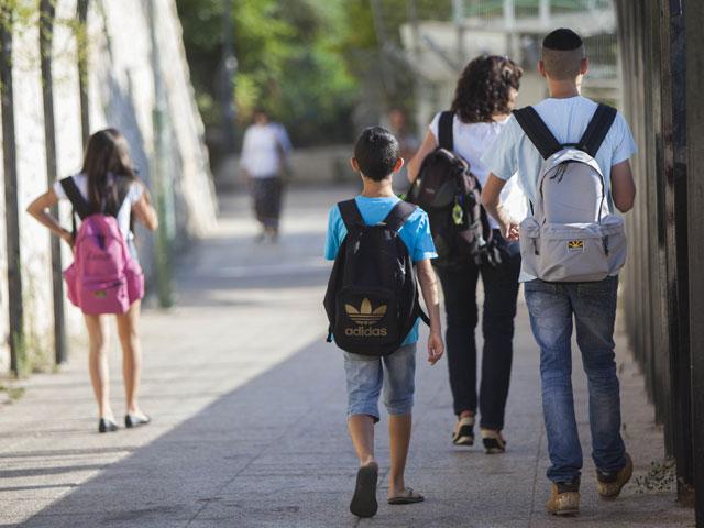 Минпрос о начале учебного года: в зоне обстрела школьники будут учиться дистанционно
