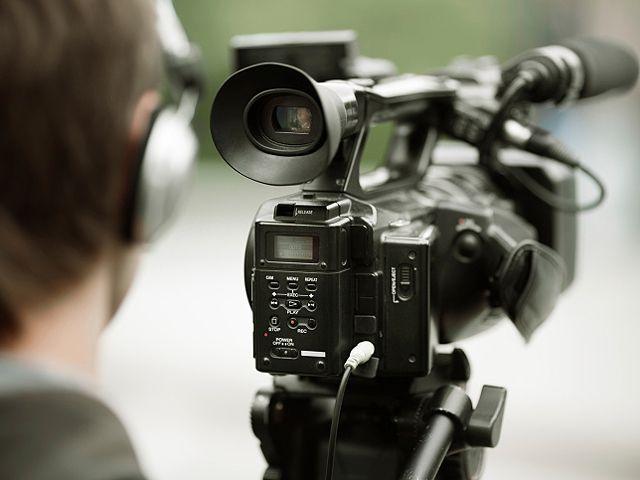 Съемочная группа 1-го канала ИТВ попала под обстрел на границе с Сирией