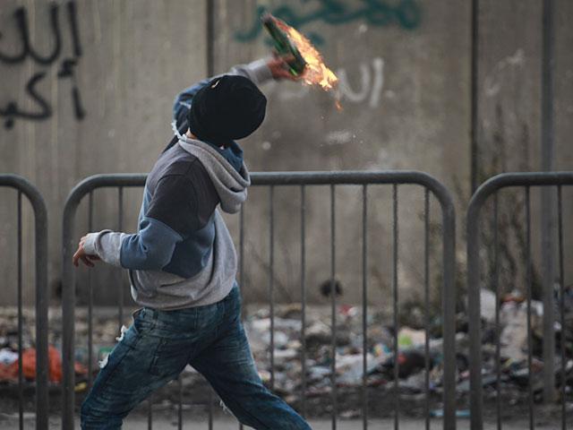 Неизвестные попытались поджечь автозаправку в пригороде Иерусалима