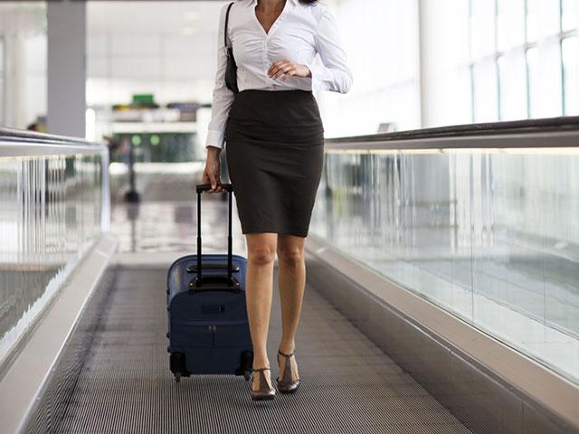 """Рабочий комитет """"Эль-Аль"""" разрешил стюардессам не носить туфли на высоком каблуке"""