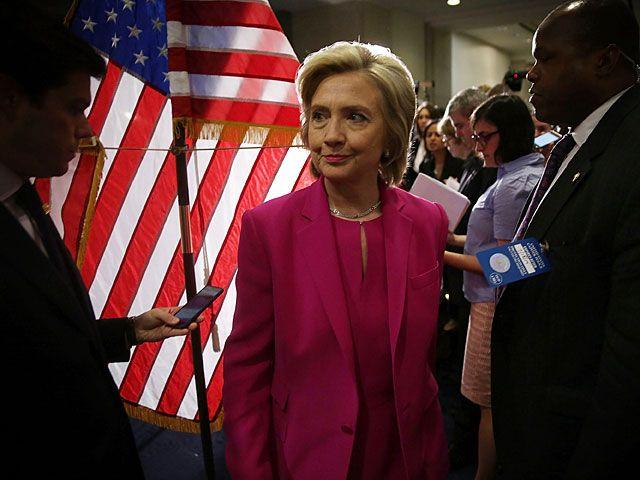 Минюст США взвешивает возможность уголовного расследования против Клинтон