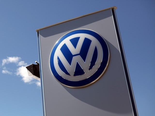 """Volkswagen подарит деньги автовладельцам, пострадавшим из-за """"дизельного скандала"""""""
