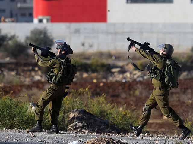 В Каландии продолжаются беспорядки, военные были вынуждены применить оружие