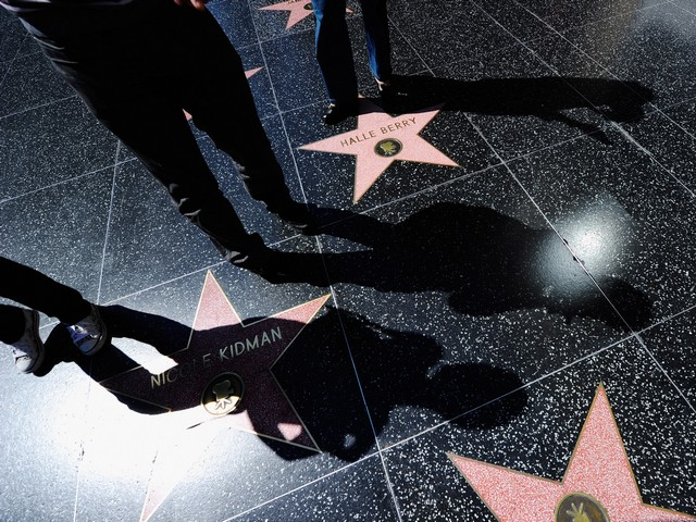 На Алее славы в Голливуде тяжело ранили ножом российского туриста, гулявшего с семьей