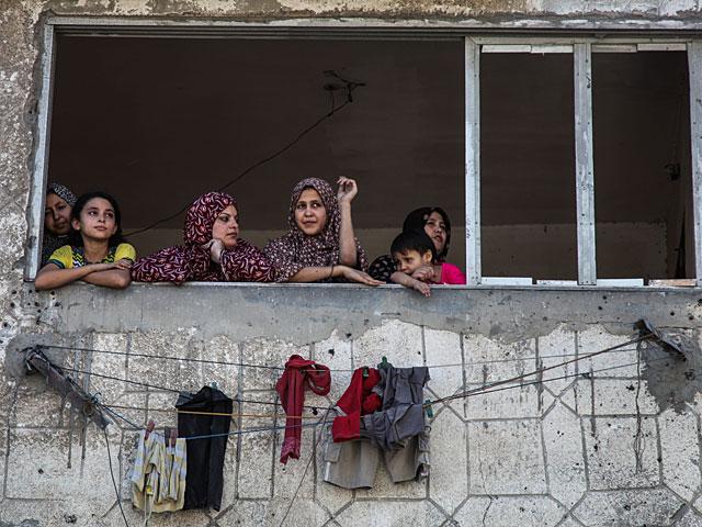 Опрос: молодые палестинцы не верят в мирные переговоры и ненавидят ИГ