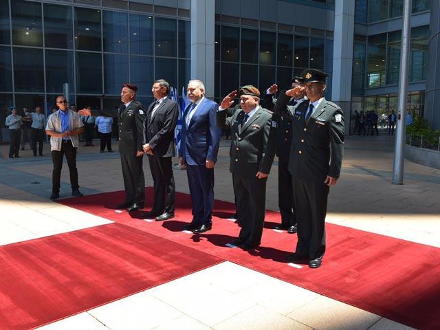 Церемония вступления Авигдора Либермана в должность министра обороны. 31  мая 2016 года