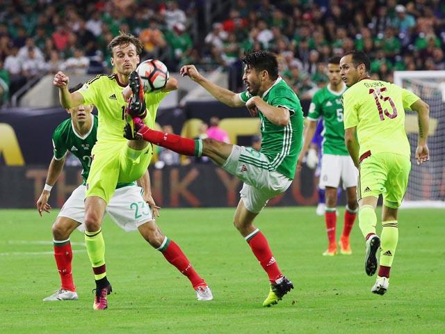 Кубок Америки: лидеры сыграли вничью. Мексиканцы заняли первое место в группе С