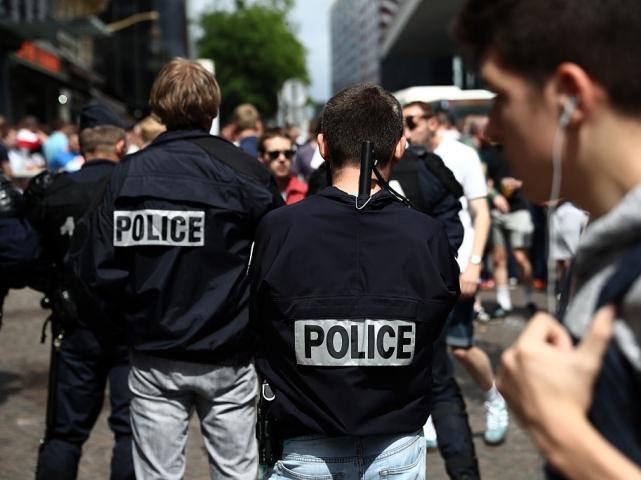 Очевидцы: в ходе обыска дома террориста из Ниццы задержан один человек