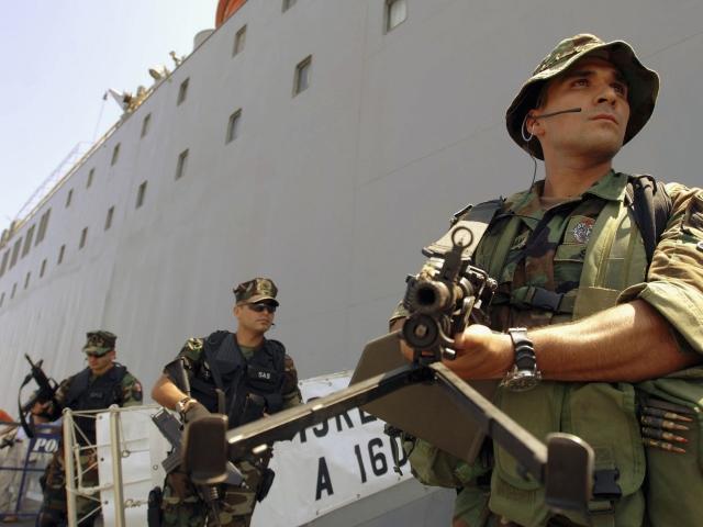 Reuters: мятежники захватили корабль и похитили командующего турецким флотом