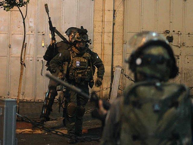 Около Шхема израильские военные застрелили араба, бросившегося на них с ножом