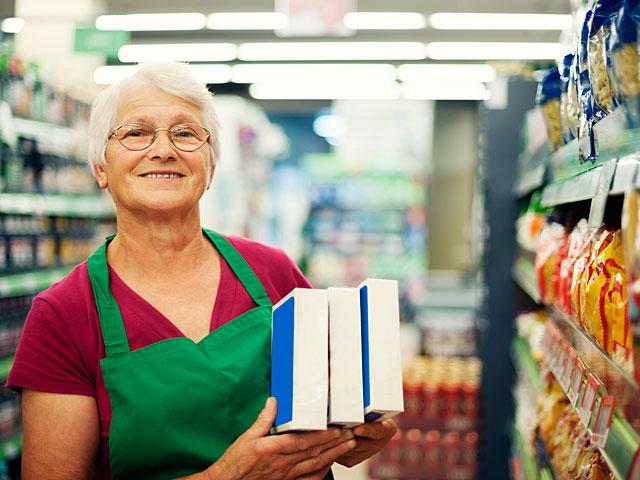 Финкомиссия Кнессета отменила автоматическое повышение пенсионного возраста для женщин