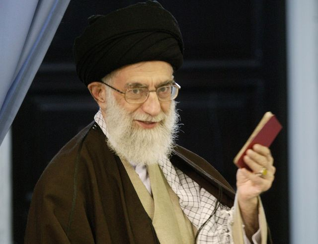 """Хаменеи: """"Западное отношение к женщине – часть сионистского плана уничтожить человечество"""""""