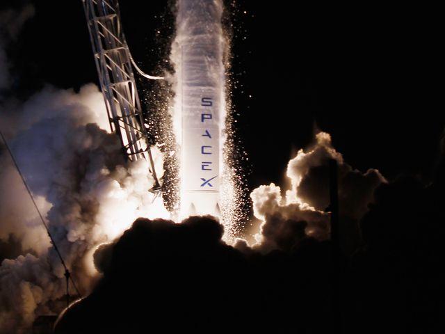 SpaceX впервые повторно использовала первую ступень ракеты Falcon 9(ВИДЕО)