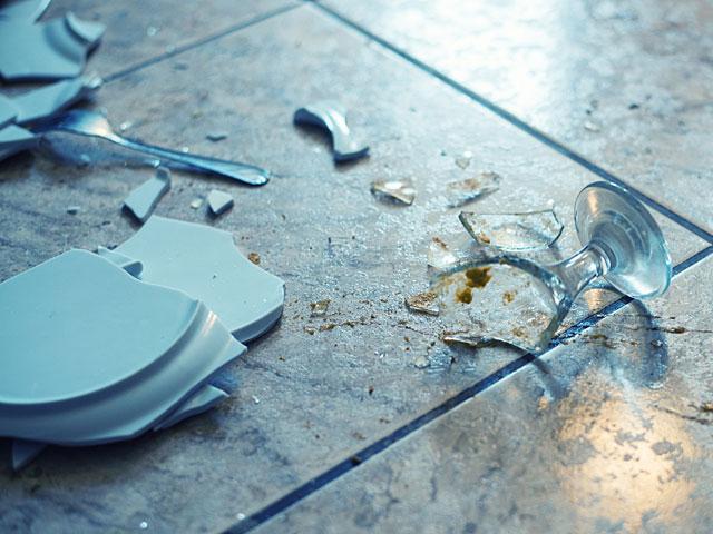 """Звук бьющейся посуды посетители торгового центра """"Кирйон"""" приняли за теракт"""