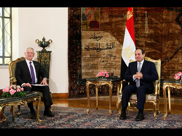 Джеймс Мэттис и Абд аль-Фаттах ас-Сиси в Каире. 20 апреля 2017 года