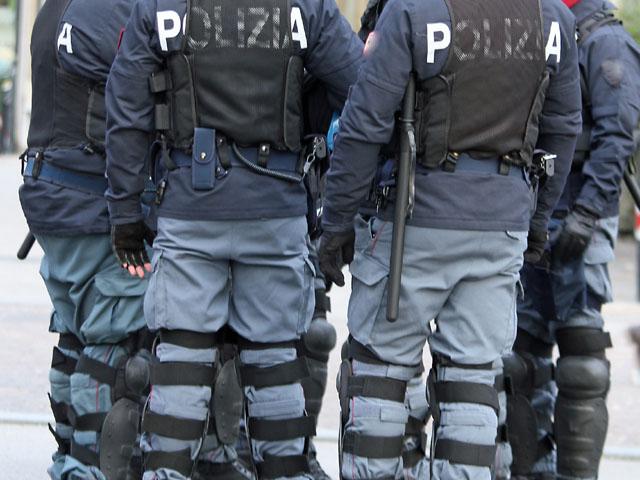 В Милане исламист, вооруженный ножом, напал на военнослужащих