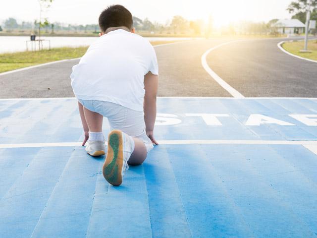 вашим 8 летний мальчик вынужден ежедневно заниматься спортом подробности про