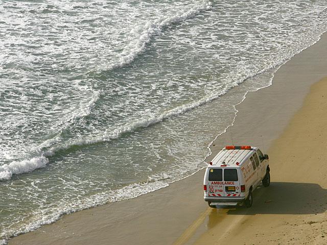 На пляже в Яффо едва не утонул 5-летний ребенок