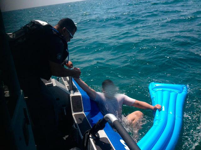 Морская полиция спасла двоих мужчин у побережья Тель-Авива