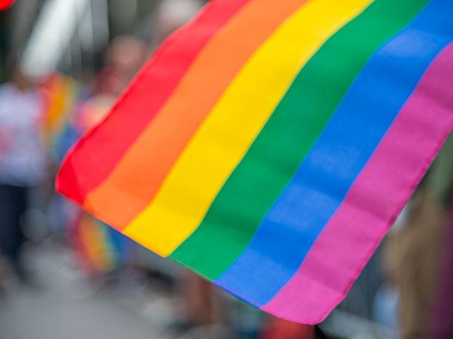 В Петербурге неизвестные атаковали активистов ЛГБТ-общины и журналистов