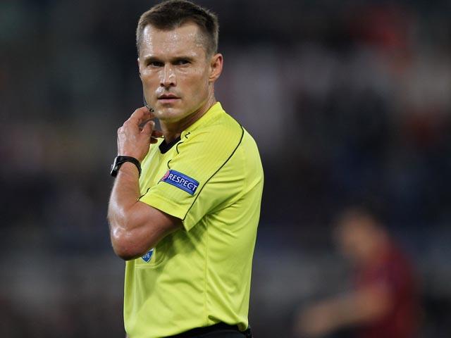 В матче в Латвии российский арбитр забил гол ударом с центра поля