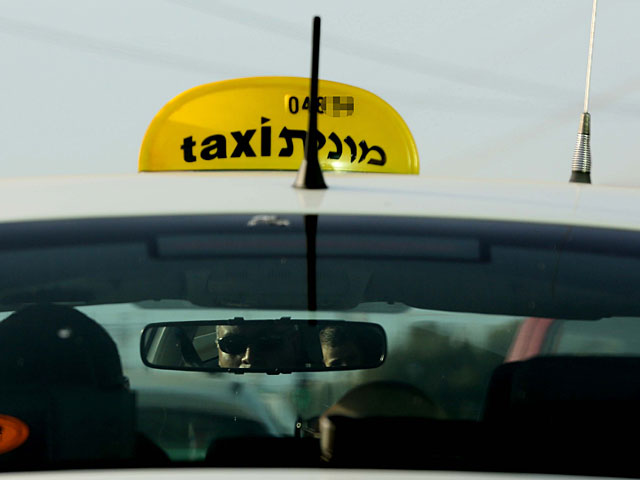 """Подозреваемая в нападении на полицейского в """"Ихилове"""" пыталась ударить таксиста"""