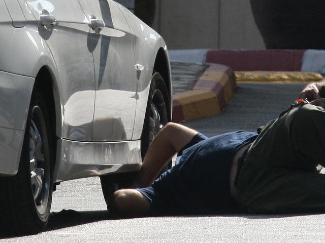 В Герцлии под автомобилем обнаружена граната